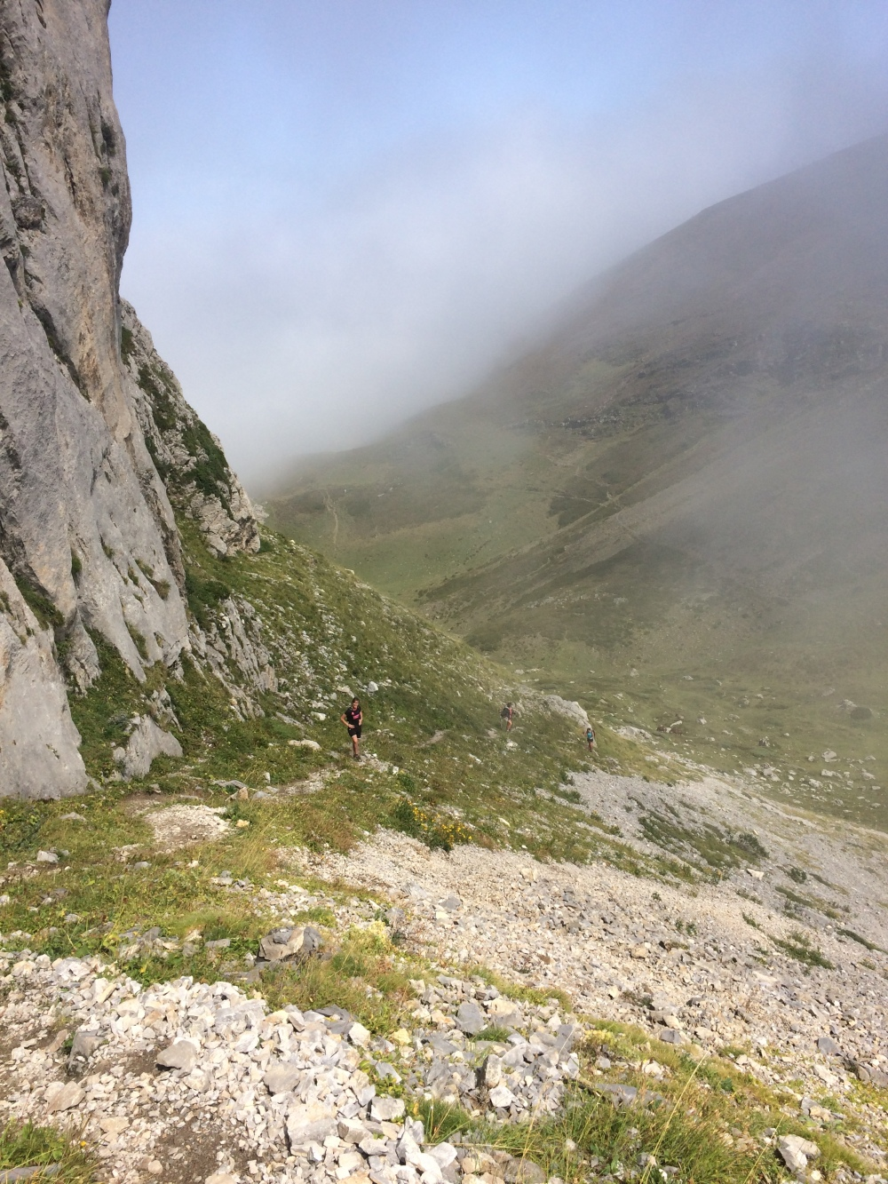 Montagnon-Pyrenees-1
